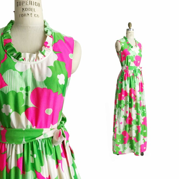 Vintage 1960s Flower Power Maxi Dress in Green & Pink / Ruffle Neck Maxi Dress / 60s/70s Floral Maxi Dress - women's small