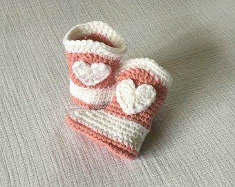 Baby Cowgirl Boots with Heart Crochet Cowgirl Halloween Girl or Boy Cowboy Photo Prop Infant Newborn 0-3 3-6 6-9 9-12 months Cowboy Booties