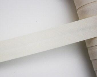 Off-white bias, 18 mm, universal pré-plissée cotton bias