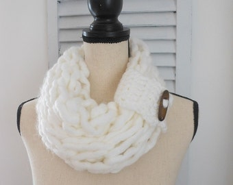 Chunky white knitted cowl