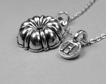 Bundt Pan Necklace, cake pan, baking necklace, silver antiqued, pewter, personalized jewelry, monogram letter, initial necklace, bundt charm