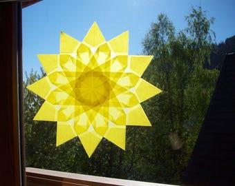"Window star, model ""Immortelle"", folded paper, transparency, seasonal, Waldorf, Montessori sensorial awakening table."