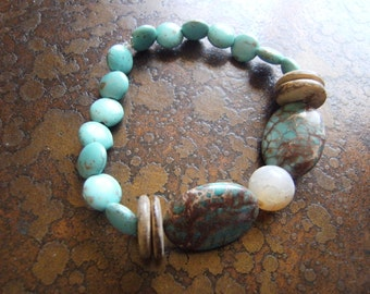 By the Sea Turquoise Coco Pukalet and Agate Beaded Stretch bracelet