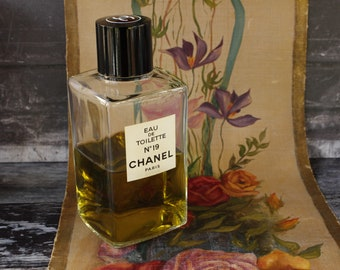 LARGE Bottle CHANEL No19 ...With Original Box 500ml size....250ml product in bottle...Collectible Item.