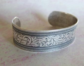 Silver Flourish 3/4 Inch Cuff Bracelet 3718
