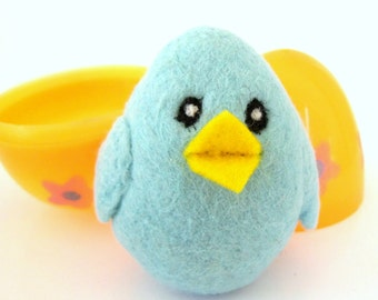 Needle Felted Chick in an Egg - Easter Felted Wool toy for boys and girls - Waldorf - Bird