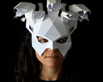 MEDUSA Mask - Make your own Medusa low-poly paper mask with this template