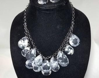 2pc Necklace &Earring Set (Black and White)