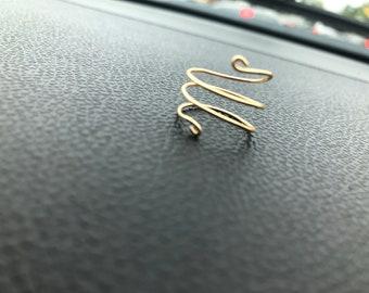 Swirl wire ring