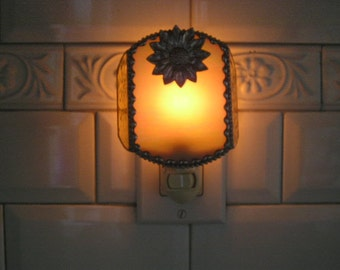 Stained Glass Nightlight|Sunflower|Yellow Iridescent|Home & Living|Lighting|Night Lights|Glass Art||Handcrafted|Made in USA