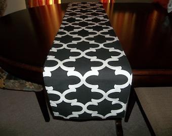 Fynn black and white table runner