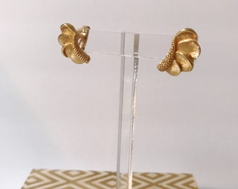 Vintage Boucher Gold Climber 50's Earrings
