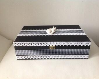 Cat... TEA box or tea - black and white gingham