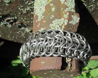 chainmaille jewelry,chainmaille bracelet,steel bracelet,steel chainmaille,steel chainmail,dragonback weave,mens chain bracelet