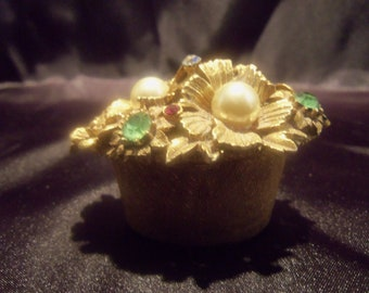 Tiny Ornate Gold Ring Box