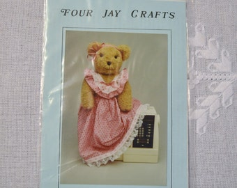 Beary Bear Sewing Machine Cover Sewing Pattern Four Jay Crafts  PanchosPorch