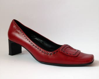Red leather buckle shoes/retro pumps/vintage heels