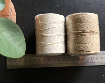 Cotton thread diameter 0.8 mm - 1 mm      220 m in white ou beige