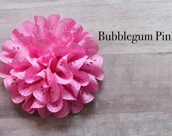 Eyelet flower in Bubblegum pink