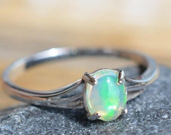 Ethiopian Opal ring. Ring With Precious Opal. Statement Ring. Gemstone and Sterling silver 925. October Birthstone Jewelry. Gift Idea