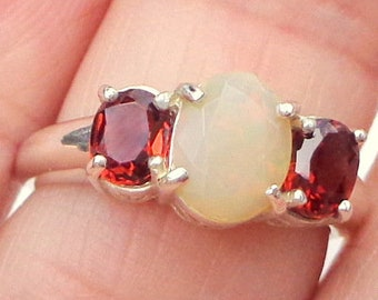 Sz 6.5, Welo Opal, Red, Blue, Green, Orange, Yellow Color Play, Multi-Color Fire, Garnet Accents, Sterling Silver, Natural Gemstones