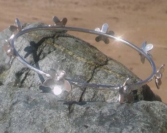 Sterling Silver hammered bangle, Silver bangle, Hammered flower Bangle, Sterling Bangle, Silver bracelet, Bridesmaid gift, Birthday gift.