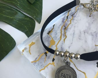 FAITH Faux Suede Choker