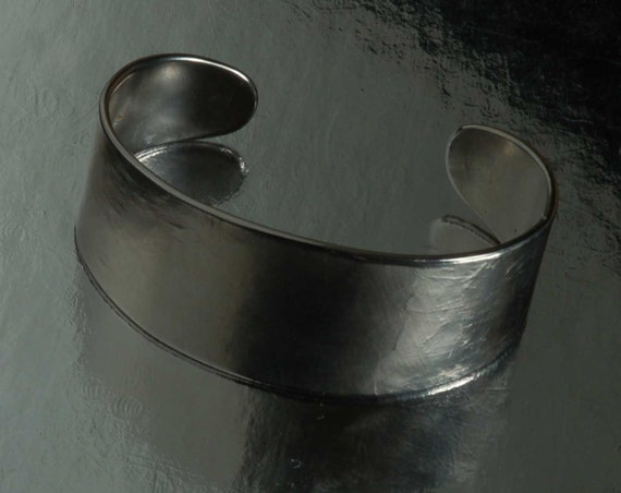 Classic Silver Hypoallergenic Cuff Bracelet Hand Forged Unisex Stainless Steel Anvil Textured Signed Original by Robert Aucoin Custom Sizes