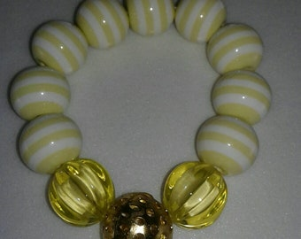 Lime Yellow and gold chunky bead bubblegum bracelet