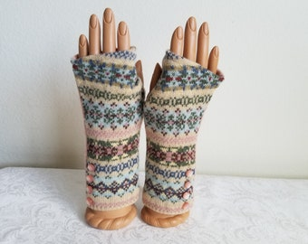 Pink Patterned Striped Wool Fingerless Gloves with Tiny Pink Buttons