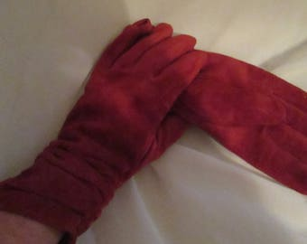 Vintage Red Suede / Leather Gathered Gloves in a Size Medium.  To Keep Your Hands Toasty Warm this Winter Season!