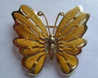 Vintage Goldtone/Yellow Sparkling Butterfly Brooch/Pin
