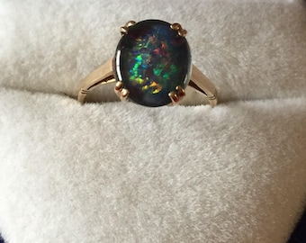 Vintage 9ct Gold Oval Cabachon Black Opal Ring