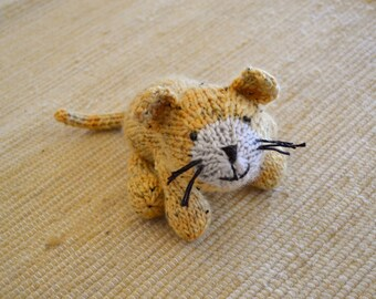 Here Kitty Kitty, Knit Cat and Lion Pattern pdf