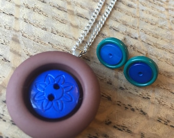 SALE *** Button pendant necklace and stud earring set. Blue, brown and green.