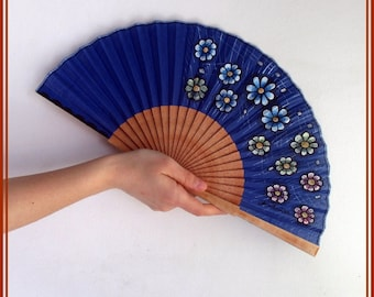 Hand held fan Modern handfans Spain folding fan Gift for bride Artisan fan Floral fan Handfan for wedding Flamenco fan Wood folding fan