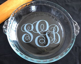 Pie Plate Etched Glass 3 letter Monogram Engraved Pyrex Custom Plate Mothers Day & Etched Glass Pie Plate Custom Design Personalized Engraved