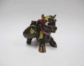 Vintage Brown Cow Holder Salt n Pepper Set, 3 pc 1960s Japan Ceramics, Bull Holding Jug Shakers