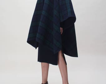 vintage Scottish CAPE  cloak poncho// double face// one size//wool // FREE SHIPMENT