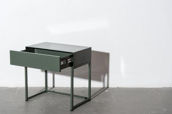 Trendy table de chevet minimal avec tiroir doux troite ct for Mini table de nuit