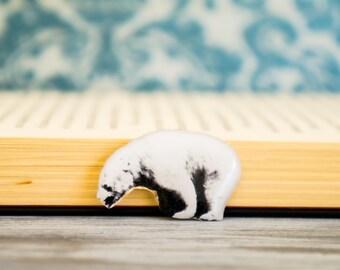 polar bears , bear enamel pin , bear jewellery , bear brooch , polar bear pin , bear lapel pin