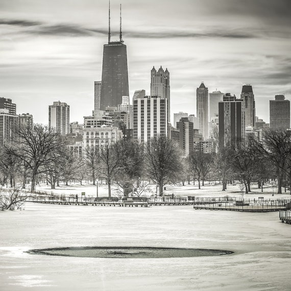 FRAME 18x18 Chicago Skyline Lincoln Park Black And