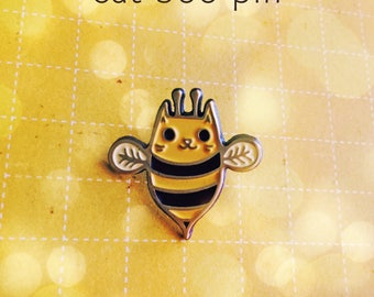 Bumble bee lapel pin enamel pin badge, honey bee jewelry, garden gift for her, bee gifts, bumble bee jewelry, bees, environmental pin