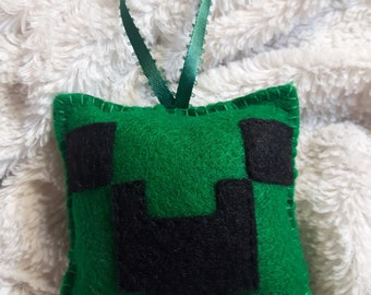 Creeper - Minecraft inspired handmade felt ornament