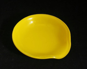 Yellow  Spoon Rest, Round Fused Glass Spoon Rest, Spoon Holder, Spoon Rest, Spoonrest. Gift for Hostess,  Love to Cook,  Gift for Chef,