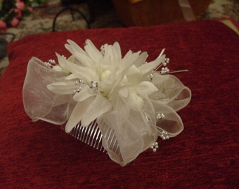 DOLLY DAY DREAMS.   Organza Corsage Hair Comb