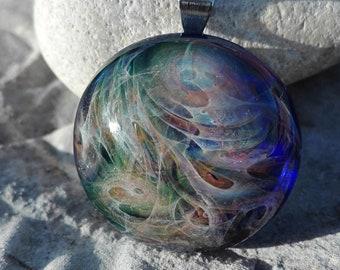Borosilicate glass pendant