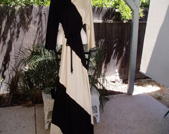Chic and Classy Willi of California Beige and Black Maxi Dress