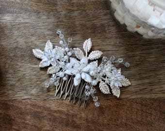 FLORAL WHITE | Wedding accessory, hair comb, hair vine, hair accessory, hair jewelry, wedding headpiece, bridal accessory