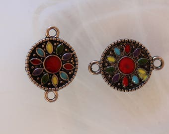 round connector with enamel flower